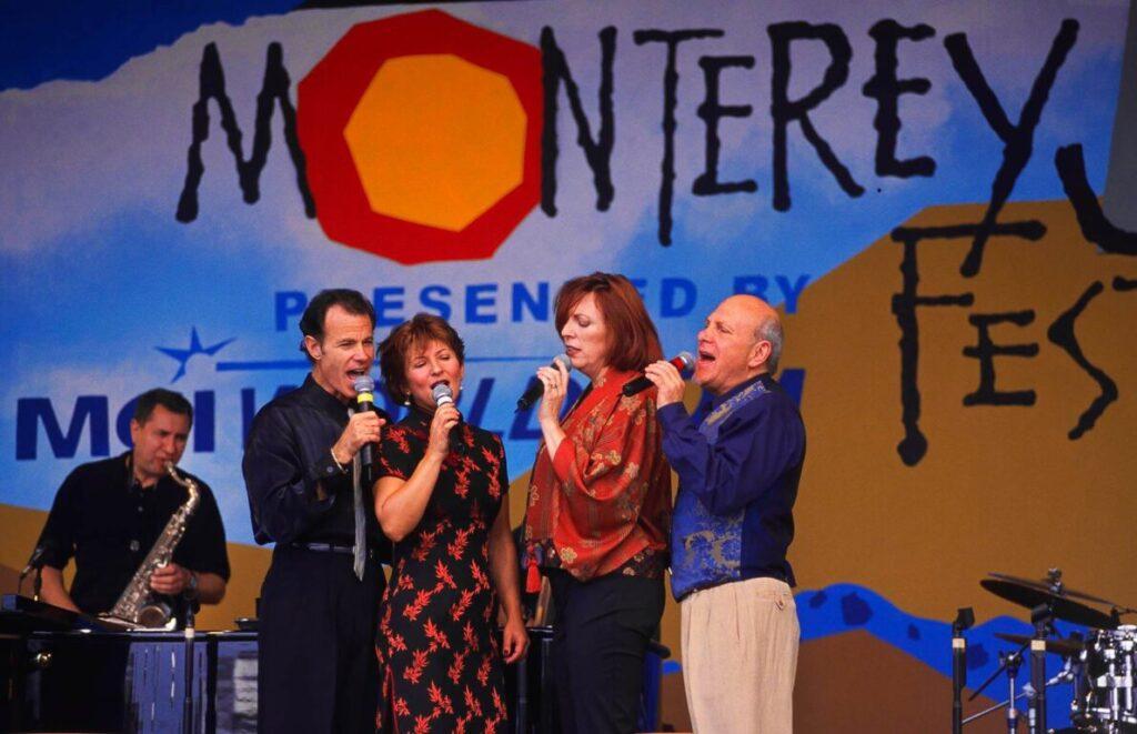 CHERYL BENTYNE, JANIS SEGAL, TIM HAUSER, and ALAN PAUL sing for MANHATTAN TRANSFER at the MONTEREY JAZZ FESTIVAL - CALIFORNIA