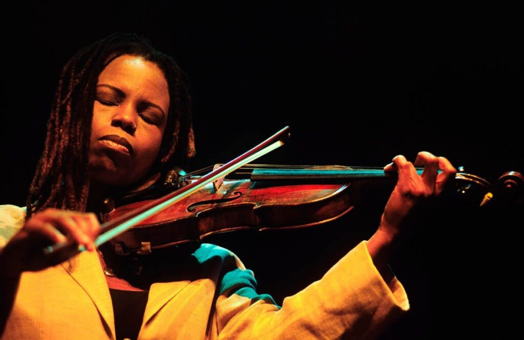 RAGINA CARTER plays the VIOLIN with KENNY BARRON on PIANO at the 2001 MONTEREY JAZZ FESTIVAL - CALIFORNIA
