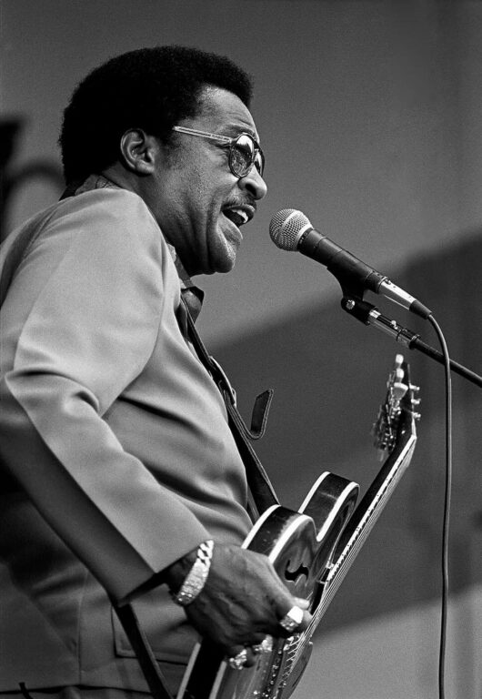LITTLE MILTON plays his lead guitar and sings at the MONTEREY JAZZ FESTIVAL - MONTEREY, CALIFORNIA