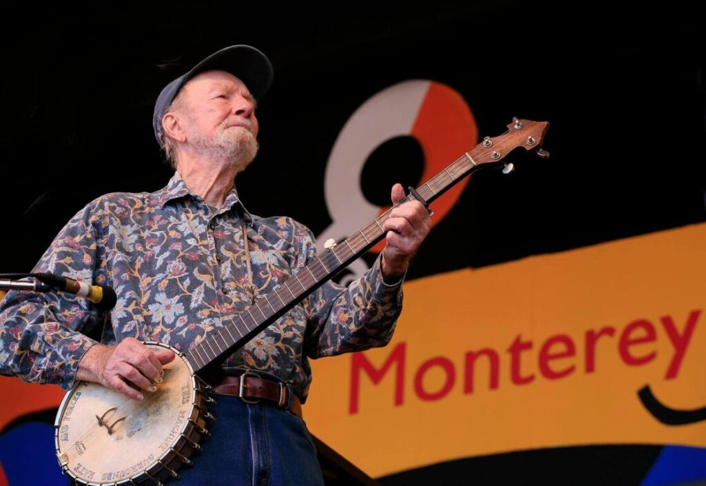 PETE SEEGER sings at the 2009 MONTEREY JAZZ FESTIVAL - CALIFORNIA