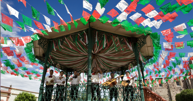 Fiestas, gastronomía y artesanías