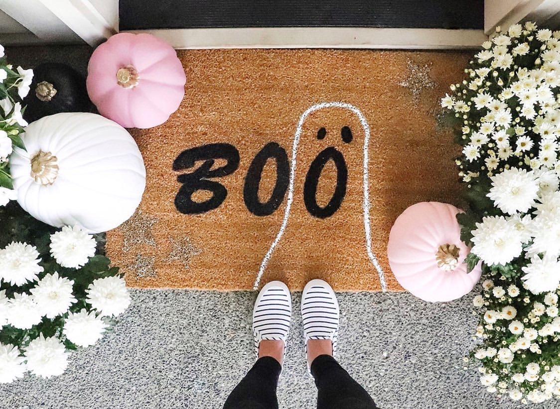 How to Make a DIY Halloween BOO Doormat