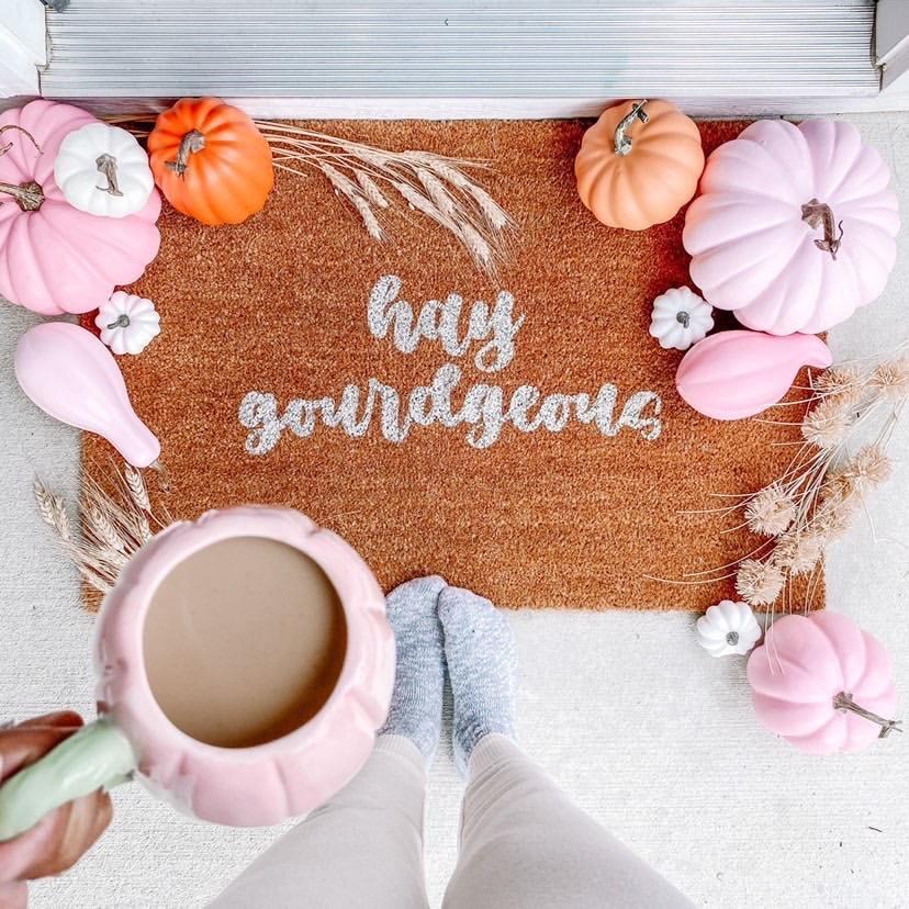 Hay Gourdgeous fall doormat DIY