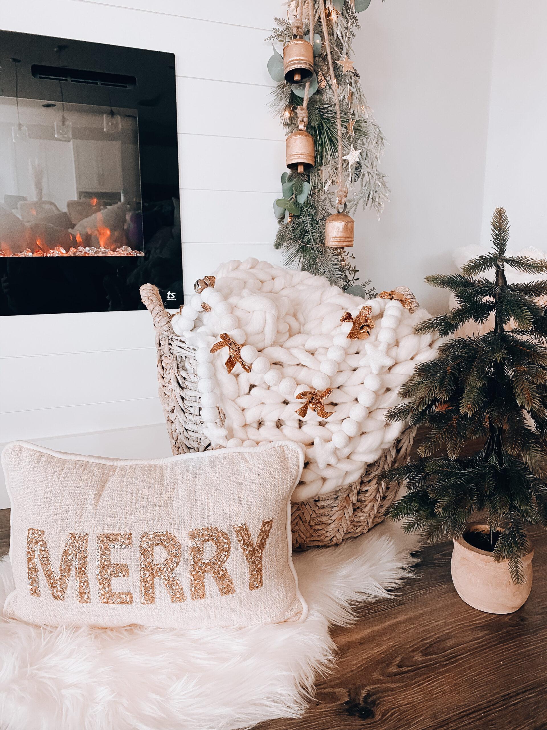 Neutral Christmas decor, Neutral christmas mantel