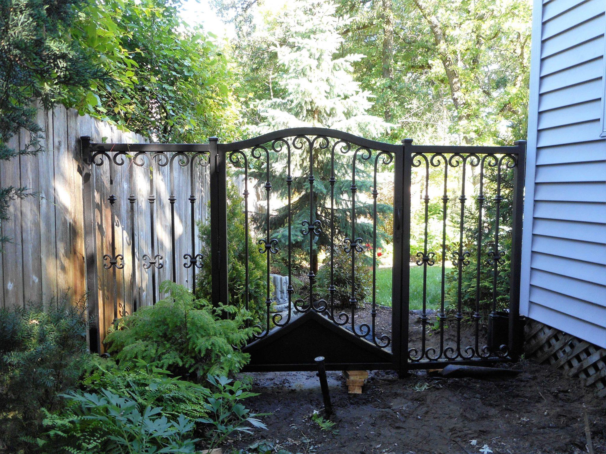 Iron gate protecting the backyard