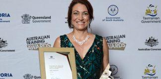 Venezolana gana premio a la educación en Australia