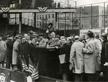 <i>Though ill, Roosevelt campaigns on Fifth Avenue in an open car.
