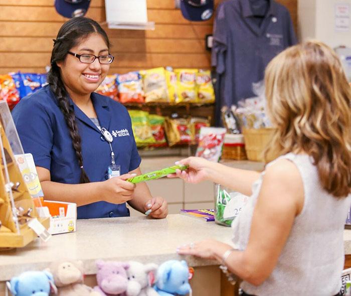 store-volunteer