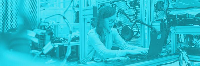 woman-making-technology