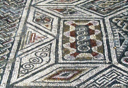 Bright colours in a mosaic floor