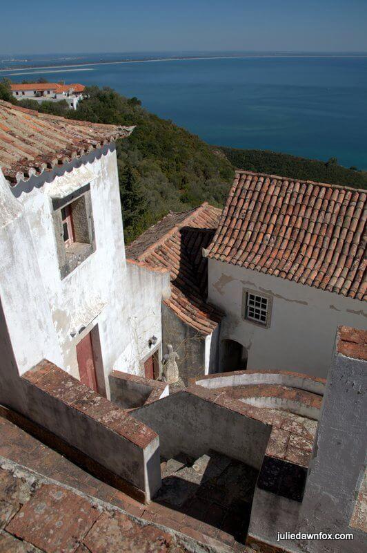 Higgledy piggledy construction, Convento da Arrábida