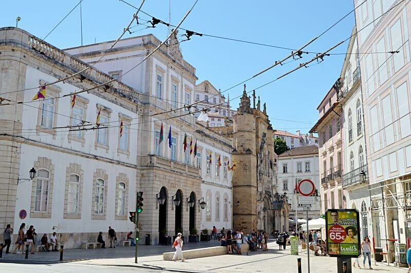 Town hall and Praça 8 de Maio, Coimbra