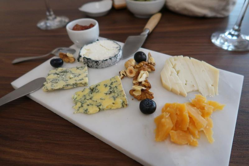 Cheese board at LisQueijo, Leiria