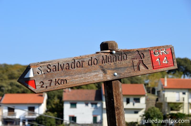 Walking trail to São Salvador do Mundo from São João da Pesqueira, Douro Wine region