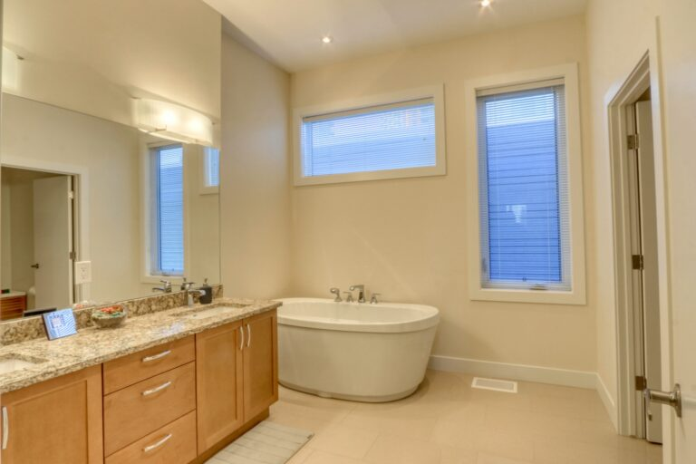 206, 20 Brentwood Common NW - Ensuite 1