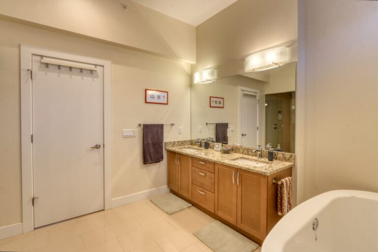 206, 20 Brentwood Common NW - Ensuite 2