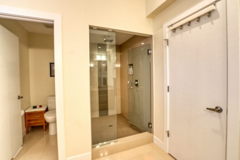 206, 20 Brentwood Common NW - Ensuite 3