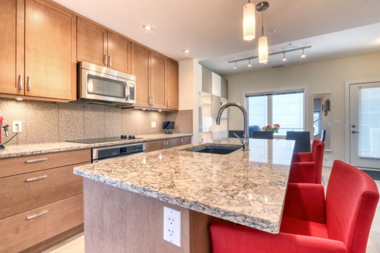 206, 20 Brentwood Common NW - Kitchen 2