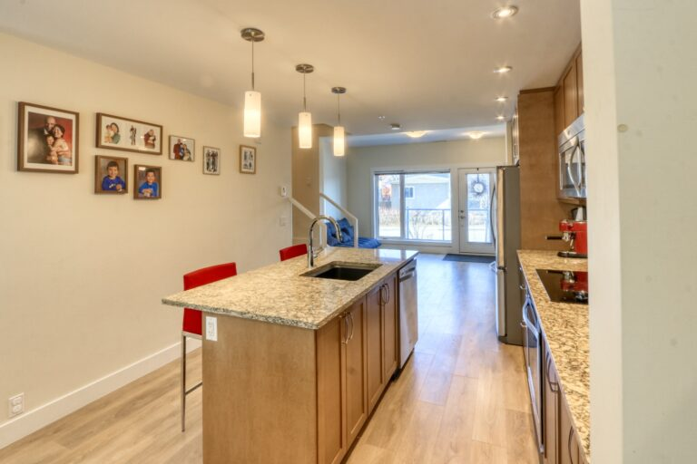 206, 20 Brentwood Common NW - Kitchen 7