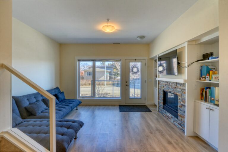 206, 20 Brentwood Common NW - Living Room 2