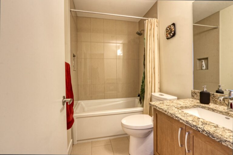 206, 20 Brentwood Common NW - Main Bathroom