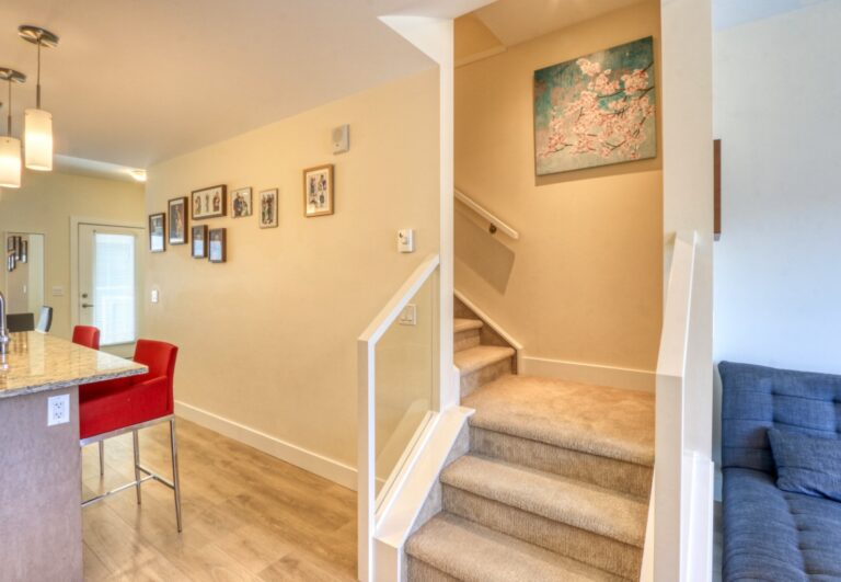 206, 20 Brentwood Common NW - stairwell 1