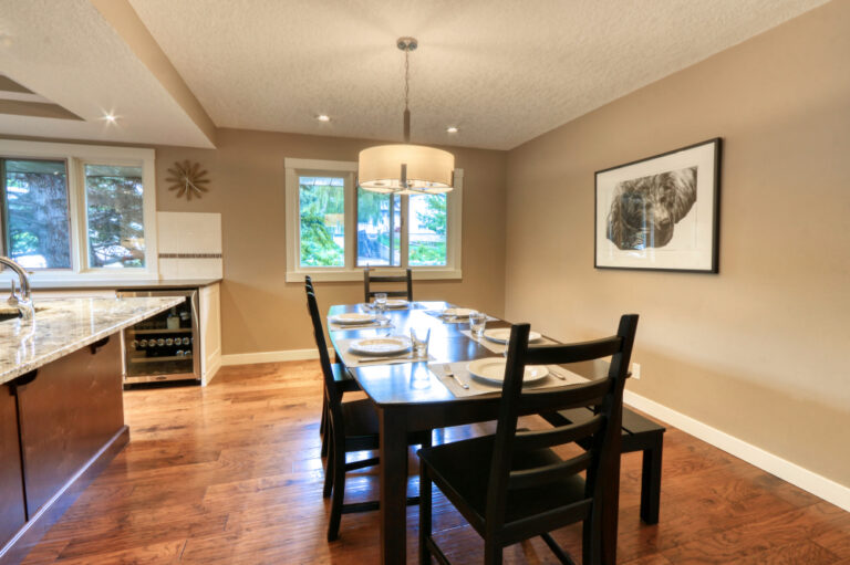 27 Cumberland Drive NW - Dining Room 1