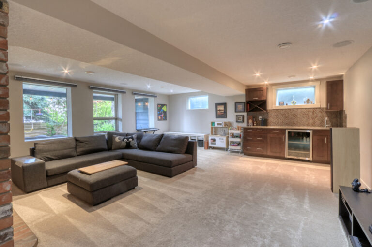 27 Cumberland Drive NW - Family Room 1
