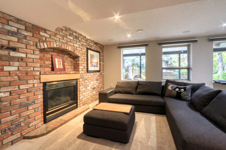 27 Cumberland Drive NW - Family Room 6