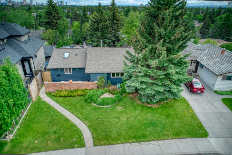 27 Cumberland Drive NW - Front drone 1