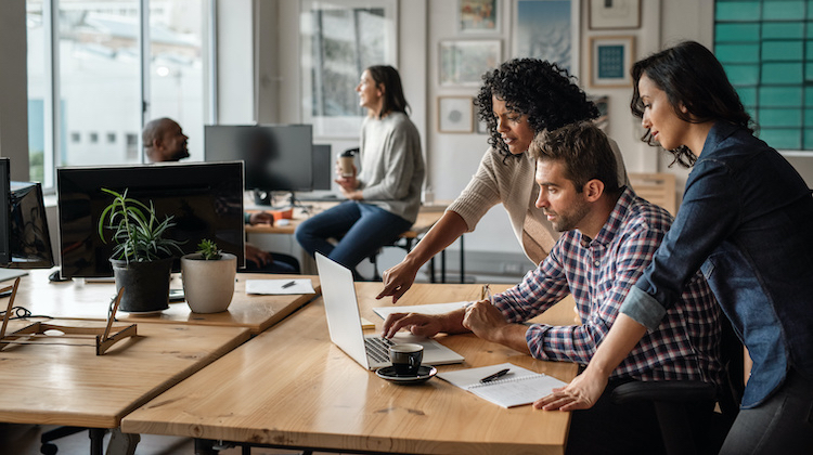 4 Perks of Working in an Office Before Starting Your Copywriting Business