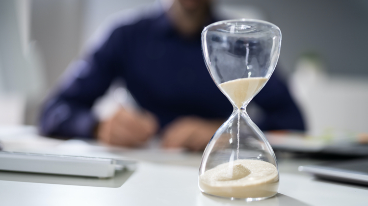 Learn how to work with your clients to set reasonable copywriting project deadlines