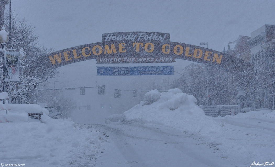 downtown golden welcome arch during march snowstorm 2021
