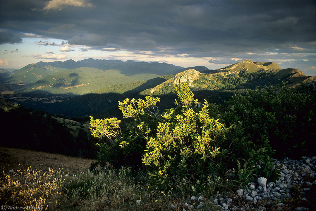 evening sunlight seen from monte lorio in abruzzo apennines italy
