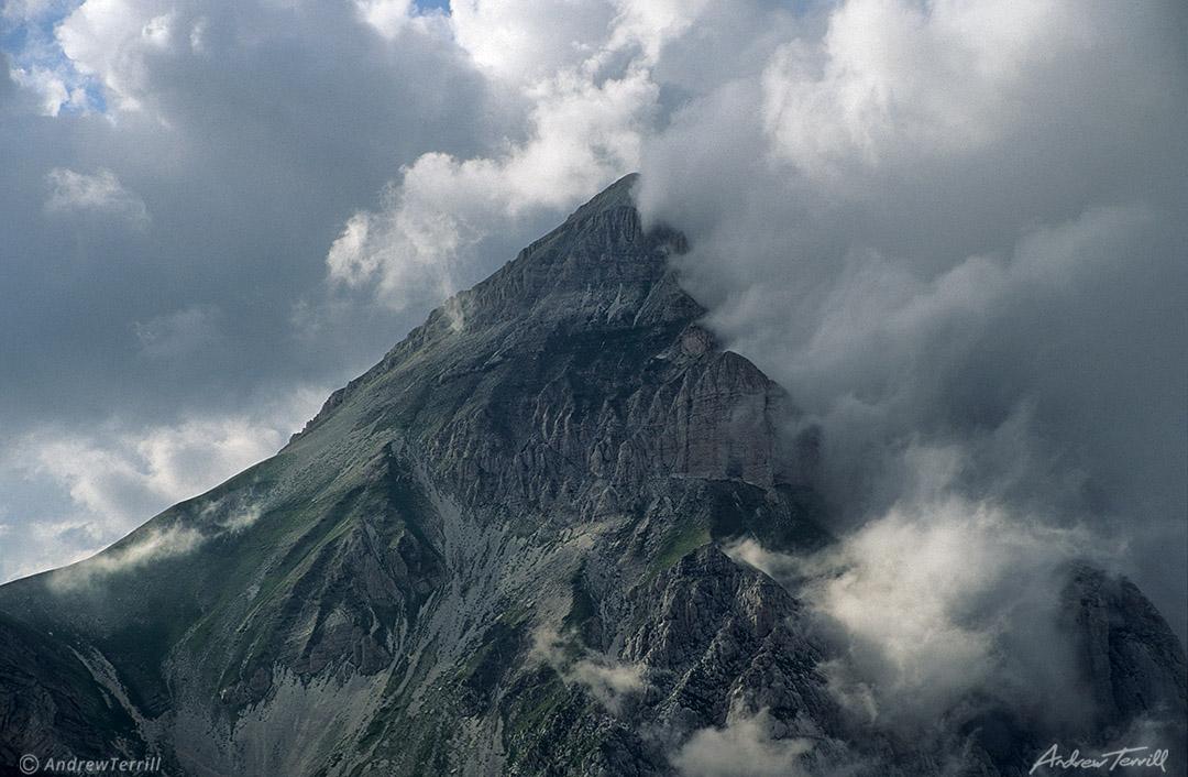 gran sasso d italia monte d intermesoli clouds abruzzo apennines italy