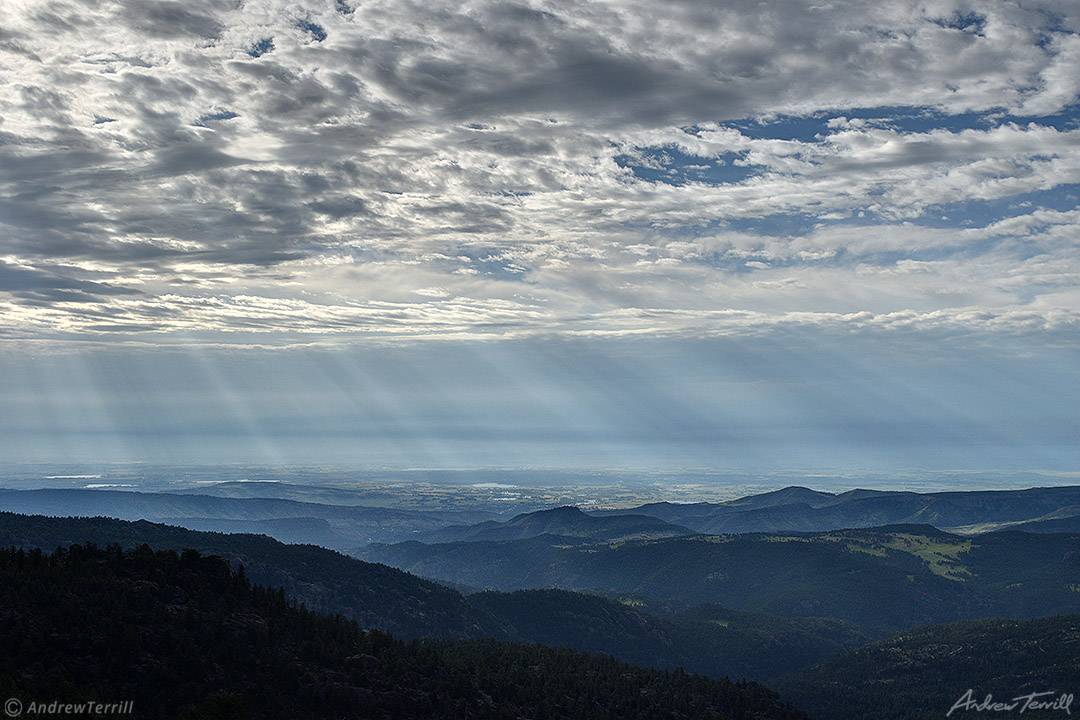 sunbeams above lyons colorado