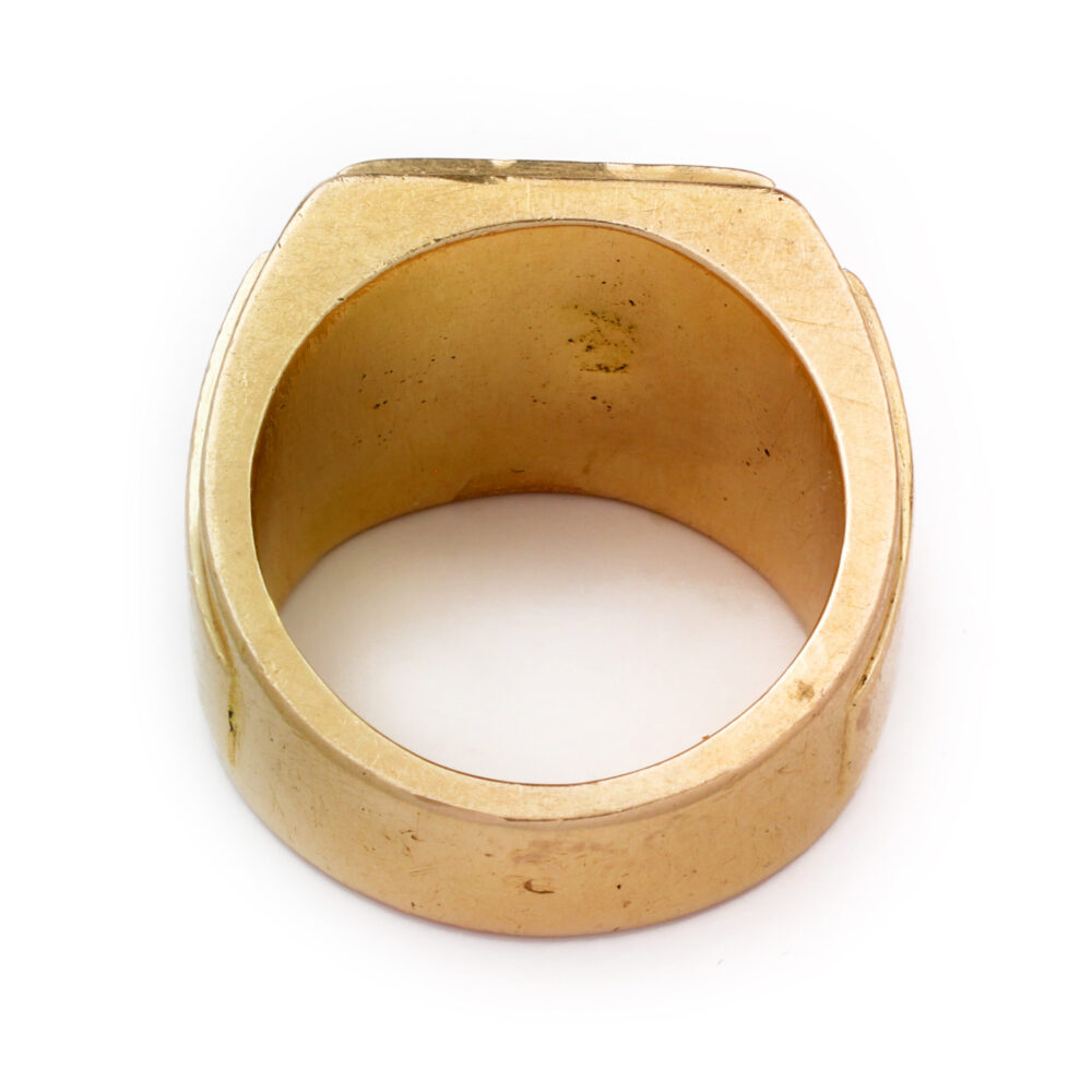 Sculpted Gold Signet Ring