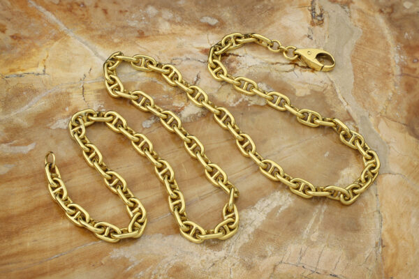 Gold Anchor Chain Necklace
