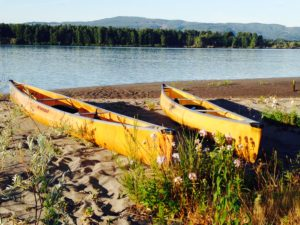 Wenonah Encounter Kevlar Canoe Columbia River Shore - www.PaddlePeople.us