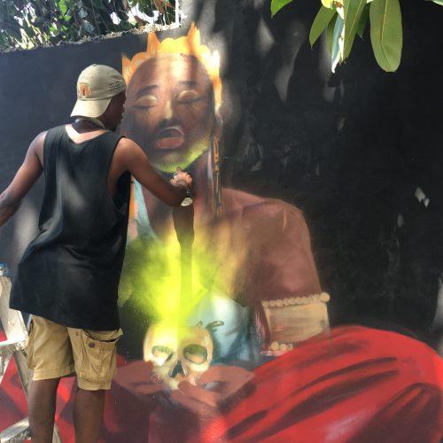 Il n'y a pas que des barricades à Port-au-Prince, le street art investit nos murs