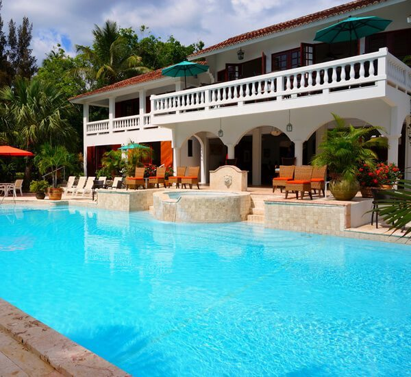 Pool Cleaning Service and Maintenance