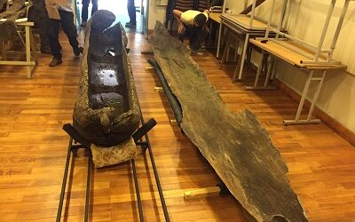 Recuperan embarcación de la cultura mapuche sumergida en laguna Torca