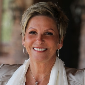 Arizona Real Estate Agent - Tammy Peil - Tru Realty