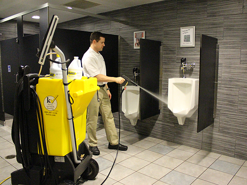bathroomcleaning 1 - Frontpage