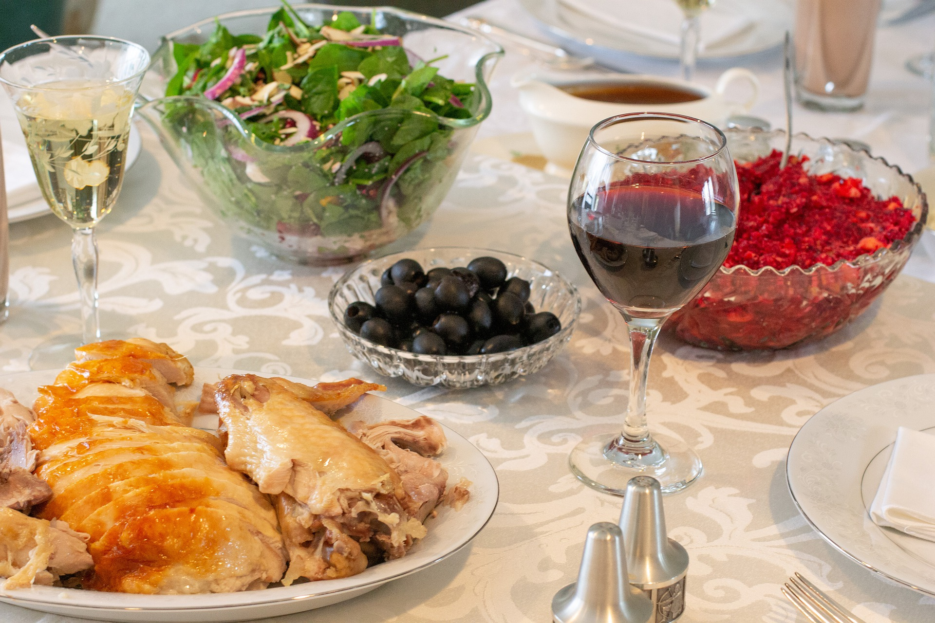 image of thanksgiving table with cranberry relish