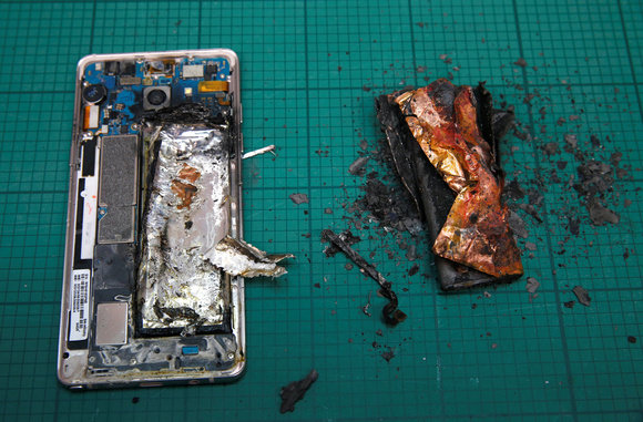 samsung-galaxy-note-7-fire-battery-explode-100686346-large