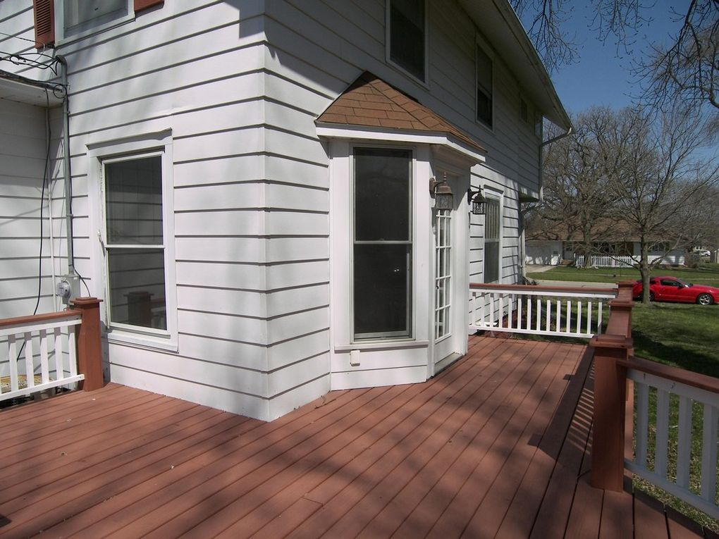 Story City Deck with railing