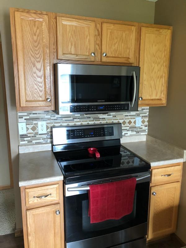 Before Kitchen Cabinet Refinish