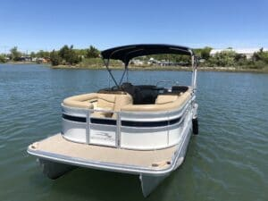 Montuak Rental Boat