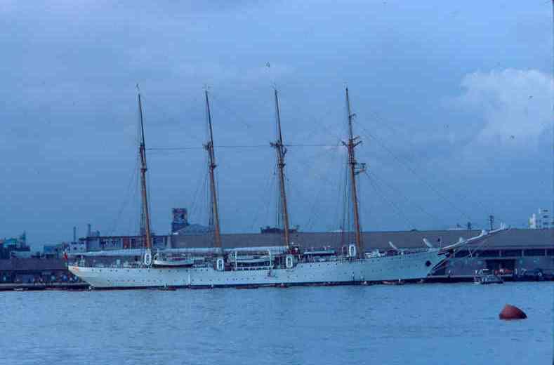 Esmeralda (Kao-shiung harbor)